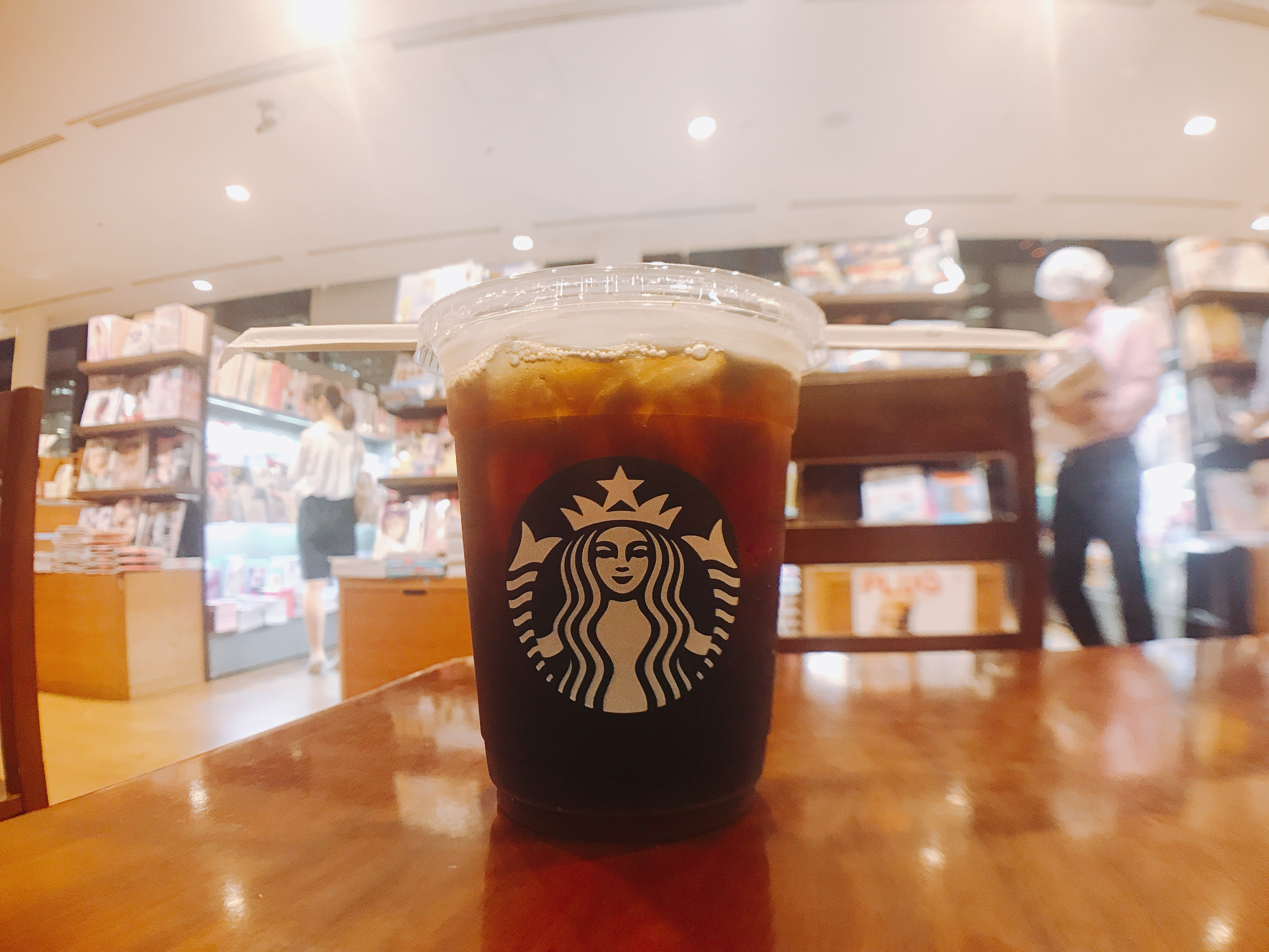 スタバのコールドブリュー(COLD BREW)が渋くなくコーヒー苦手でも飲めるよ!